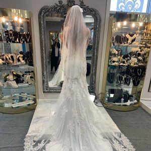 Wedding Dress (Allure Couture c412)